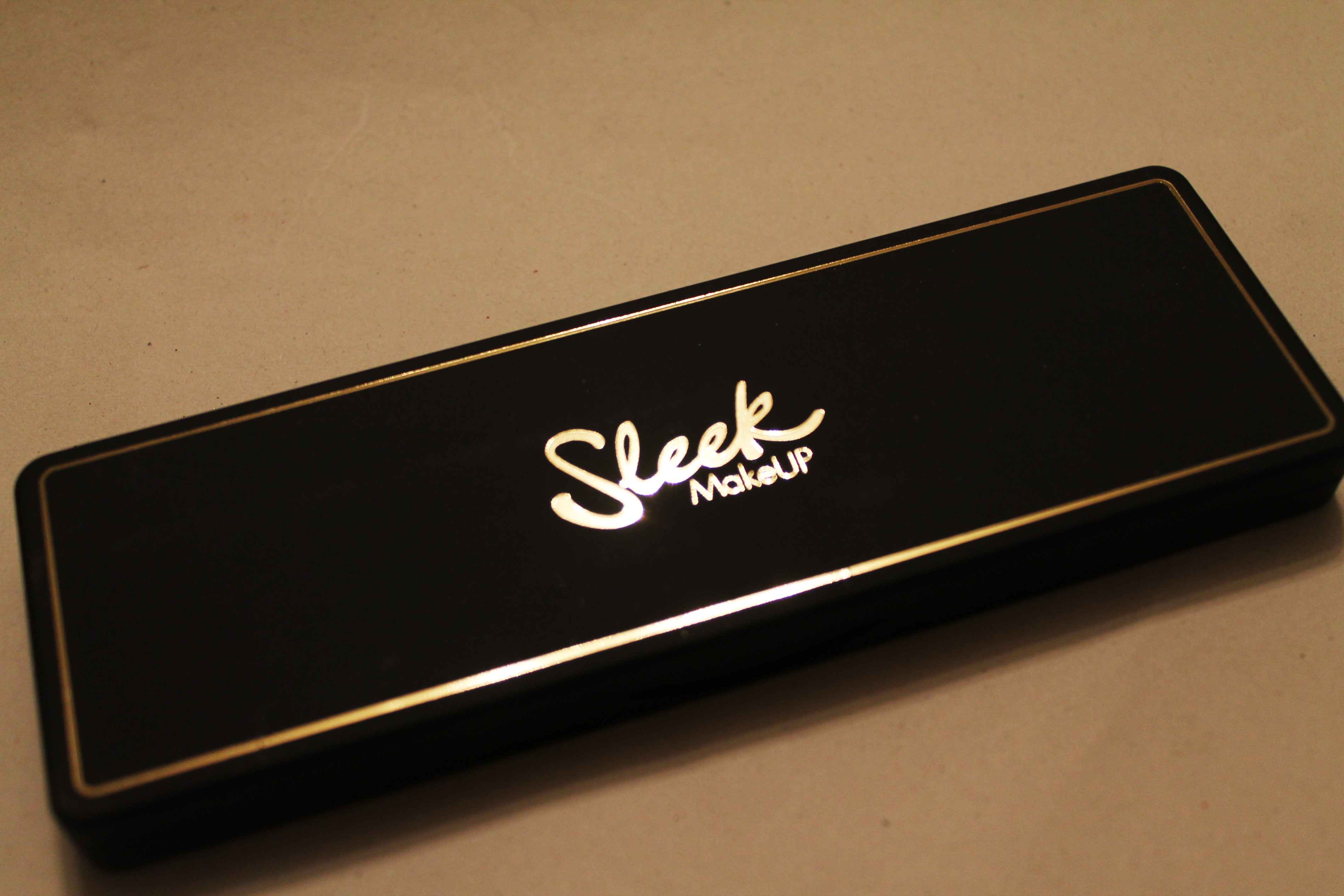 Sleek i-Lust Gold Standard